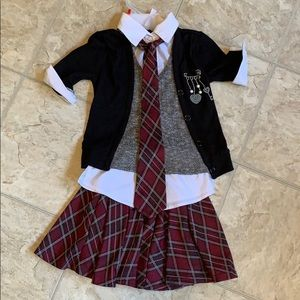 Girls size small adorable outfit